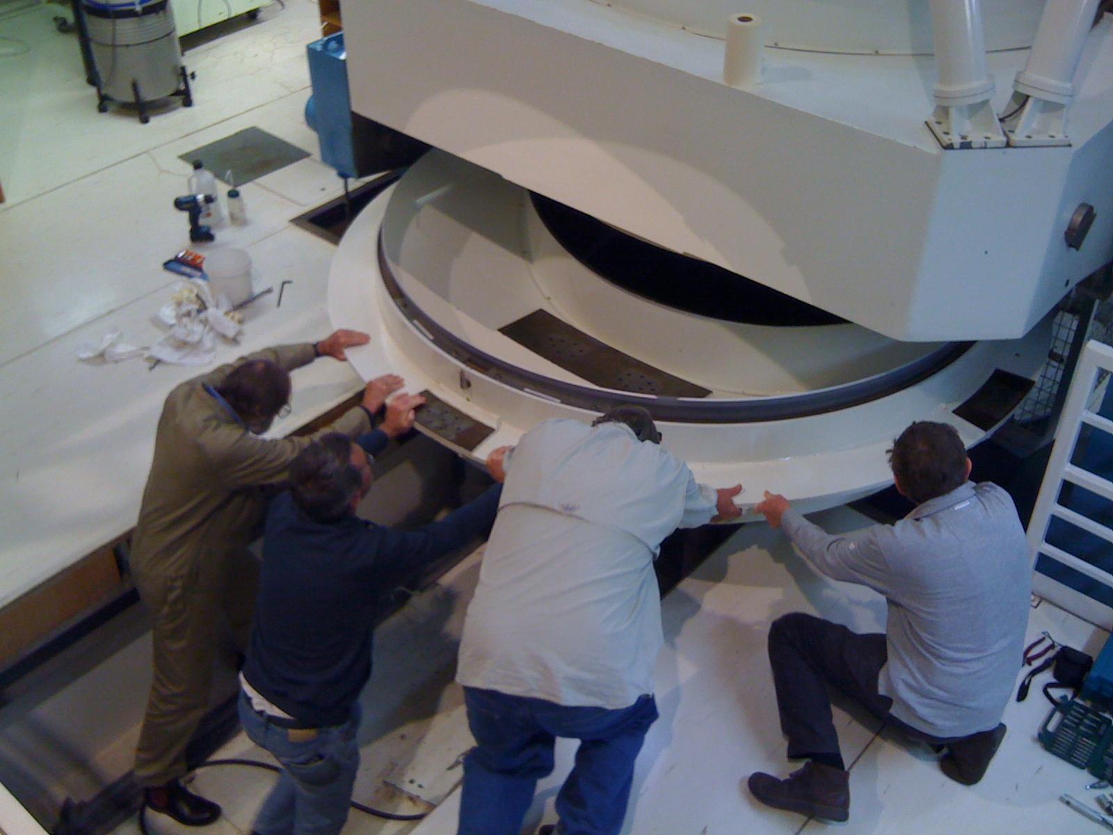 Aluminising 2 3m Mirror Siding Spring Astropodcast
